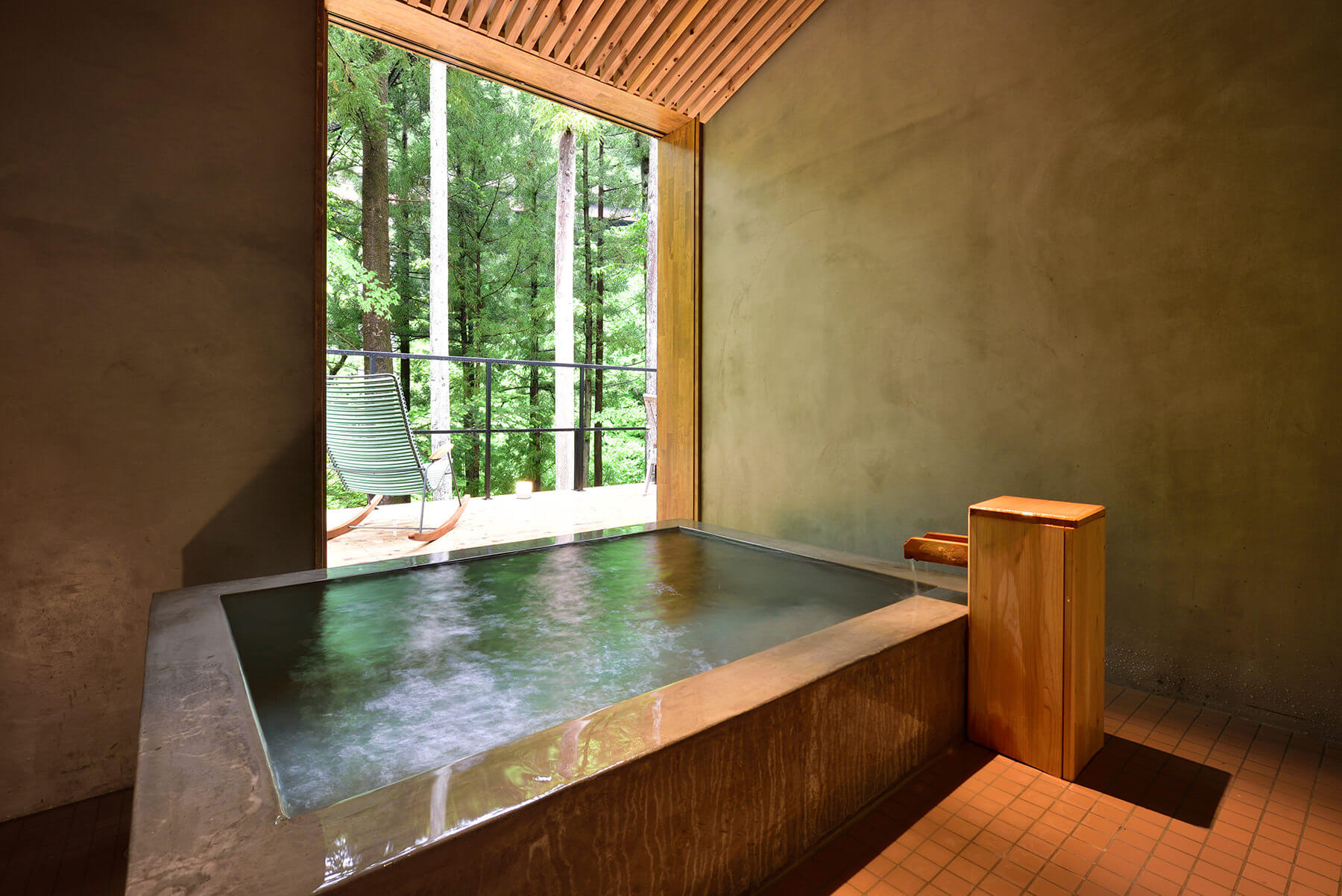 プラウンプレミアムの温泉風呂