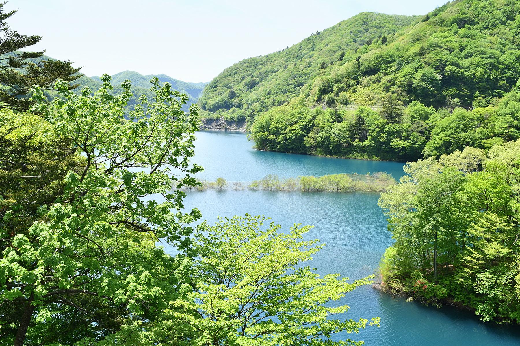 春夏-2 四万湖